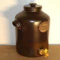 Saltglazed vinegar pot
